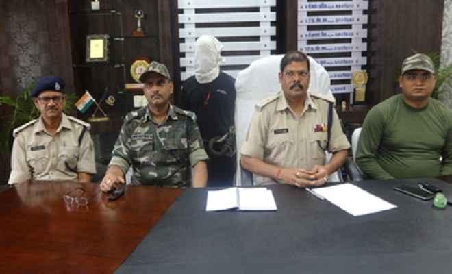 तीन लाख की अफीम के साथ दो गिरफ्तार