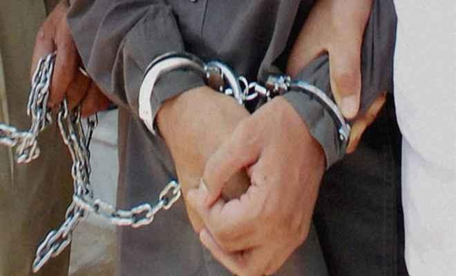 कॉलेज के गर्ल्स वॉशरूम में कैमरा लगाने वाला चपरासी गिरफ्तार