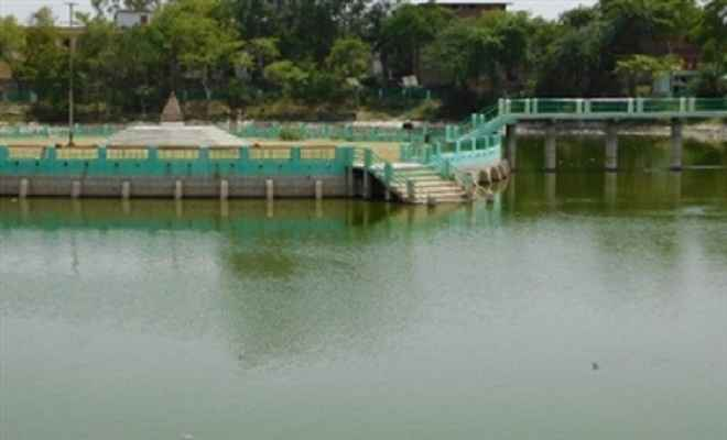 'मत्स्य पालन के लिए गिरिडीह में 12 तालाब बनाये जायेंगे'