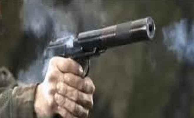 उग्रवादियों ने मां-बेटी की गोली मारकर हत्या की