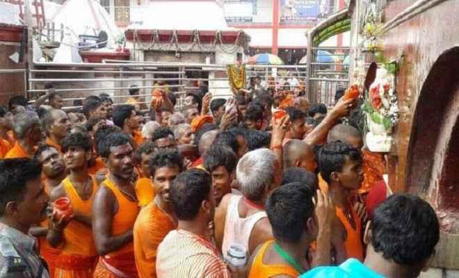 बासुकिनाथधाम में श्रद्धालुओं ने चढ़ाये चार लाख चढ़ावा