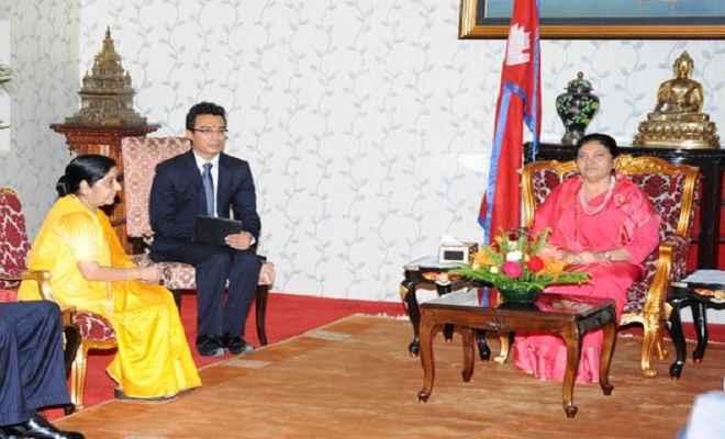 सुषमा स्वराज ने नेपाली राष्ट्रपति और प्रधानमंत्री से की मुलाकात
