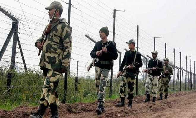 स्वतंत्रता दिवस के मद्देनजर अंतर्राष्ट्रीय सीमा पर सुरक्षा बल चौकस