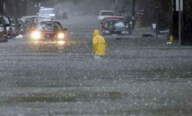 मूसलाधार बारिश से अगले दो दिनों तक नहीं मिलेगी निजात