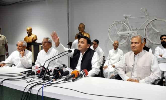 गोरखपुर मामले में सपा ने गठित किया जांच दल