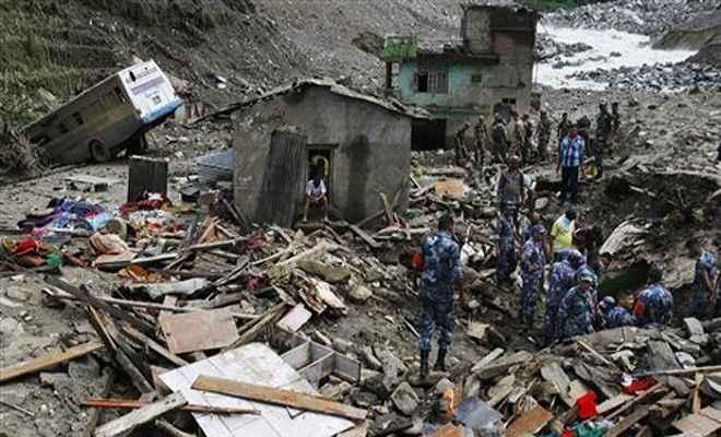 नेपाल में भारी बारिश और भूस्खलन से 41 लोगों की मौत