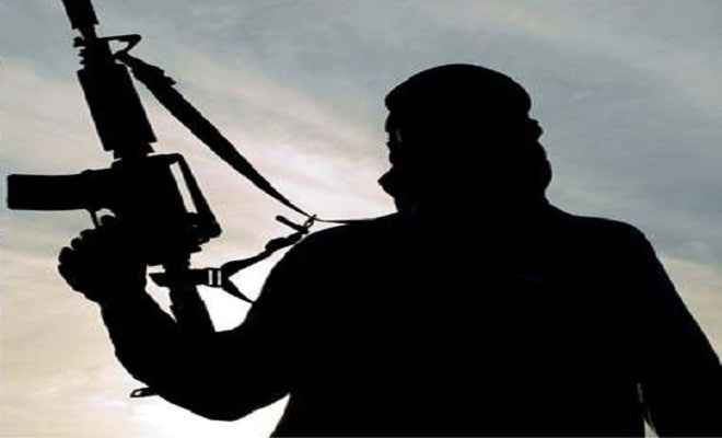 उग्रवादियों ने की युवक की हत्या