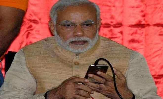 प्रधानमंत्री नरेंद्र मोदी ने नेपाल के प्रधानमंत्री को किया टेलीफोन