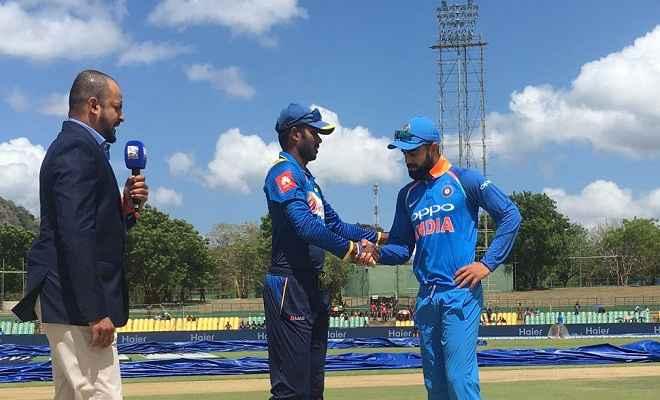 दाम्बुला वनडे : भारत ने टॉस जीता, पहले गेंदबाजी का फैसला