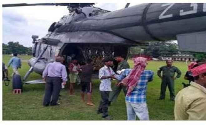 वायुसेना के हेलिकॉप्टरों ने संभाली राहत वितरण की कमान, पहुंचाए गए राहत के पैकेट
