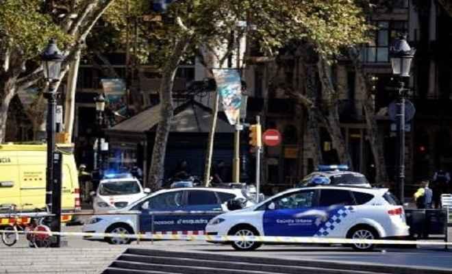 स्पेन आतंकी हमलावरों के पास से 120 गैसों के कैन्टेनर मिले