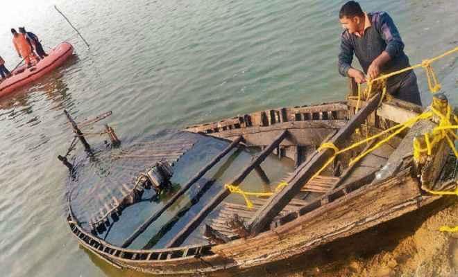 मुंगेर के एक झील में नौका पलटने से दो महिलाओं की मौत