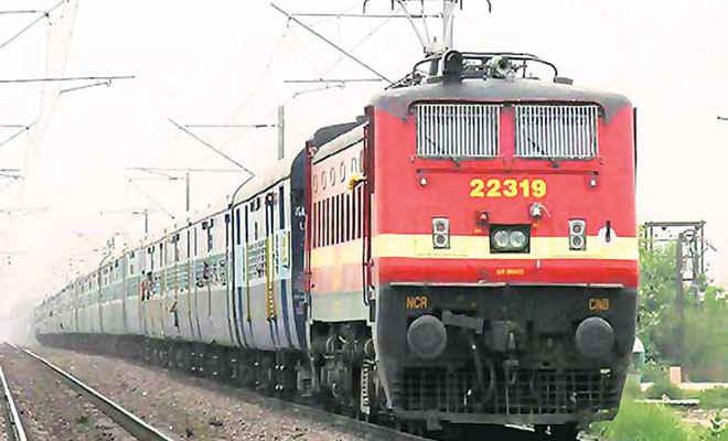 त्योहारों के मौसम में रेलवे का तोहफा, बिहार से चलेंगी 17 पूजा स्पेशल ट्रेनें