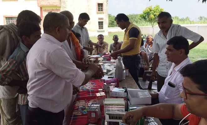 चिकित्सा शिविर में 568 मरीजों का इलाज, दवाओं का वितरण