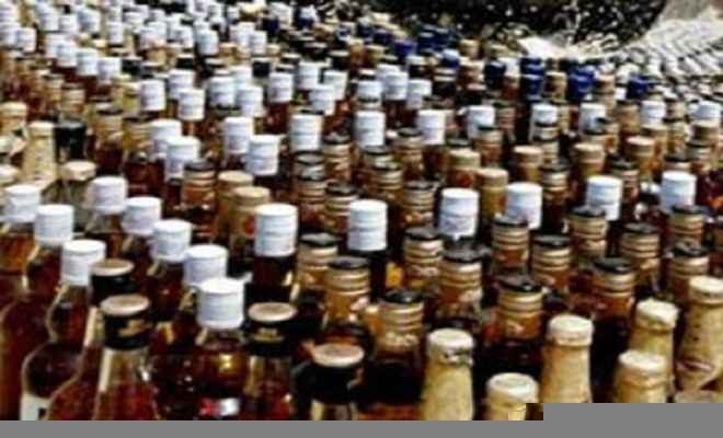 तस्कर गिरफ्तार, 1152 बोतल शराब जब्त