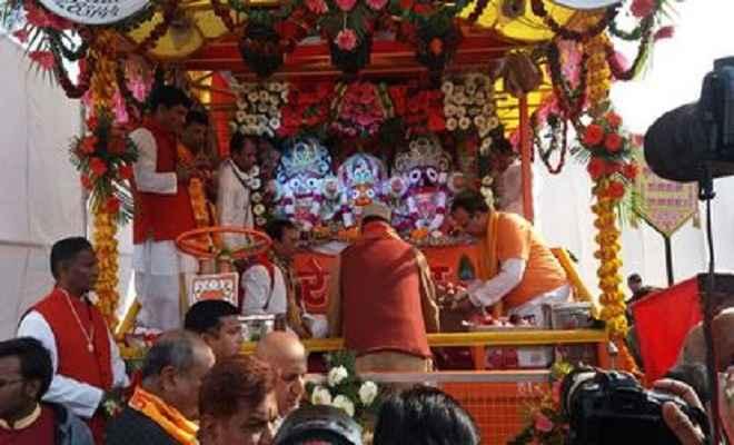 मुख्यमंत्री त्रिवेंद्र सिंह रावत ने 18वीं प्राचीन श्री जगन्नाथ रथयात्रा की रस्सी खींच कर किया उद्घाटन