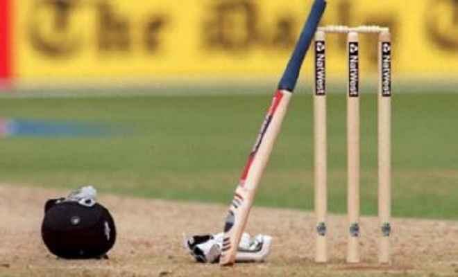 अंडर-19 विश्व कप : भारत ने ऑस्ट्रेलिया के सामने रखा 329 रनों का लक्ष्य