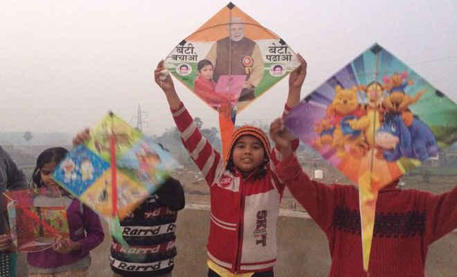 चंपारण के रण को ले सुगौली में डीएम ने की बैठक, हुई मेहंदी व पतंग प्रतियोगिता