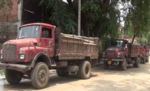 बालू से लदे तीन ट्रक जब्त, चालक गिरफ्तार