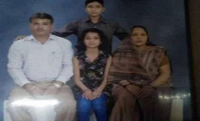 ट्रिपल मर्डर से दहली दिल्ली, दिन दिहाड़े पति-पत्नी व बेटी की चाकू से गोदकर हत्या