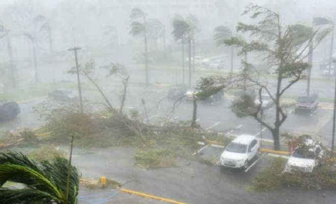 ओडिशा-आंध्र में 'तितली' तूफान ने ढ़ाया कहर 2 लोगों की मौत, पेड़ और बिजली के खंभे उखड़े
