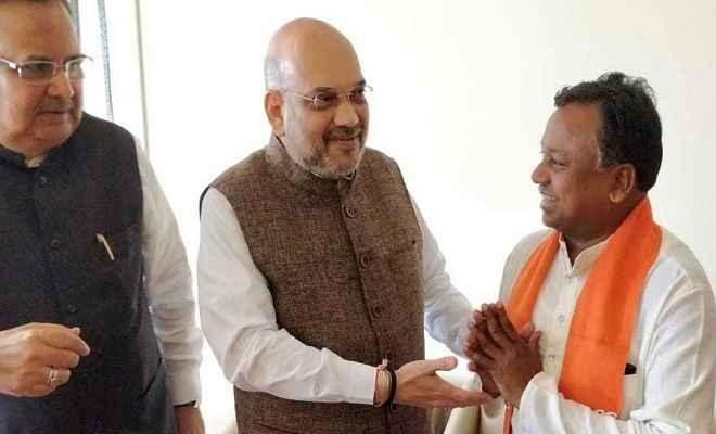 छत्तीसगढ़: चुनाव से पहले कांग्रेस को लगा बड़ा झटका, भाजपा में शामिल हुए रामदयाल उईके
