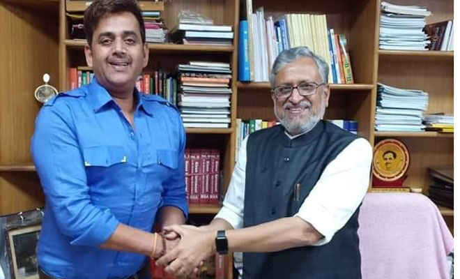 उप मुख्यमंत्री सुशील मोदी से मिले रवि किशन कहा- यूपी-झारखंड की तरह बिहार में भी भोजपुरी फिल्मों को मिले सब्सिडी