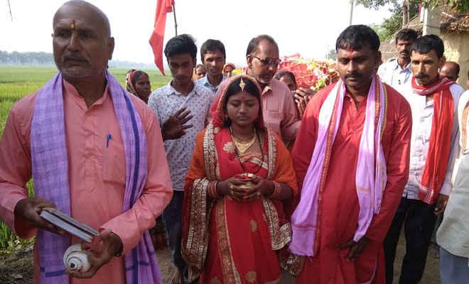 आदापुर में भक्तो ने निकाली माता की भव्य डोली यात्रा