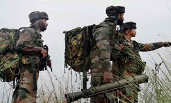 जम्मू कश्मीर: फतेह कदल इलाके में लश्कर कमांडर समेत तीन आतंकी ढेर, एक पुलिसकर्मी शहीद