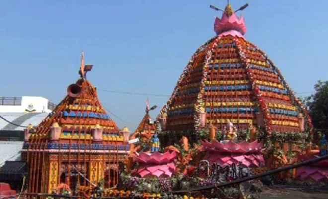 विजयादशमी के दिन रजरप्पा मंदिर में लगा भक्तों का तांता, विशेष आरती का आयोजन