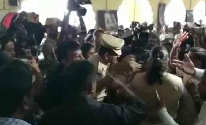 कर्नाटक: टीपू सुल्तान की जयंती मनाने पर छिड़ा संग्राम, भाजपा ने कांग्रेस पर उठाए सवाल