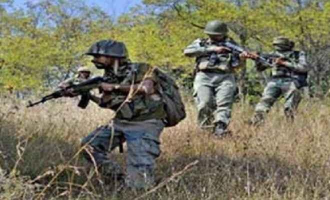 छत्तीसगढ़: बीजापुर में नक्सली हमला, 4 बीएसएफ जवान समेत 6 घायल
