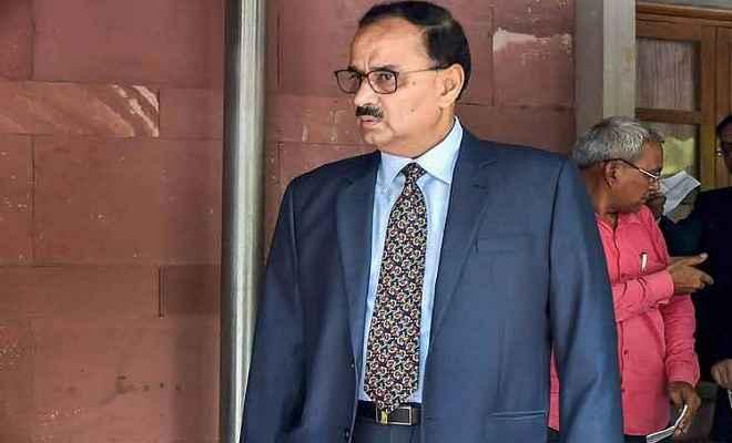 CBI विवाद: आलोक वर्मा ने बंद लिफाफे में सुप्रीम कोर्ट में दाखिल किया जवाब, सुनवाई कल