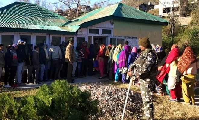 जम्मू/कश्मीर: पंचायत चुनाव के छठे चरण के लिए मतदान शुरू