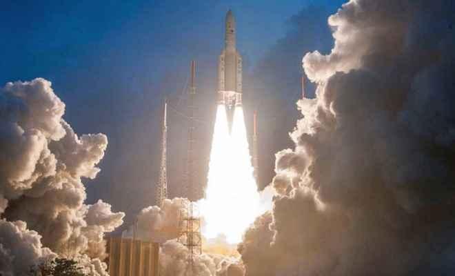भारत का सबसे वजनी सैटेलाइट GSAT-11 हुआ लॉन्च, बढ़ेगी इंटरनेट की स्पीड