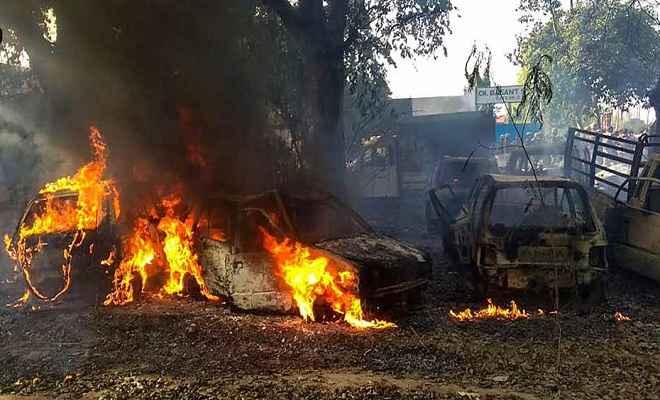 बुलंदशहर हिंसा : एसएसपी समेत 3 अफसरों पर गिरी गाज, प्रभाकर चौधरी को मिली जिले की कमान