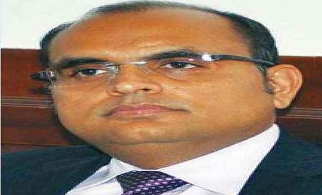 छत्तीसगढ़: बीजेपी के हारते ही मुख्यमंत्री रमन सिंह के प्रमुख सचिव ने ली लंबी छुट्टी