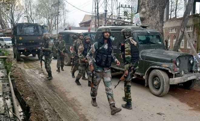 जम्मू/कश्मीर: सुरक्षाबलों ने मुठभेड़ में दो आतंकी को किया ढेर, गोलीबारी थमी, इंटरनेट सेवा बंद