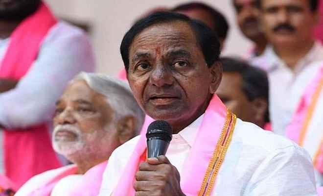 तेलंगाना के सीएम बने के.चंद्रशेखर राव, राज्यपाल ने दिलाई पद और गोपनीयता की शपथ