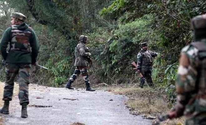 जम्मू/कश्मीर: सुरक्षाबलों ने मोस्ट वॉन्टेड जहूर समेत तीन आतंकियों को किया ढ़ेर, एक जवान शहीद