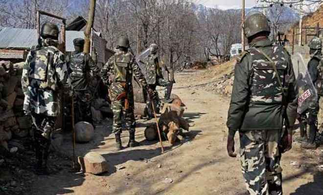 जम्मू/कश्मीर: पुलवामा में मुठभेड़ में सात नागरिकों सहित 11 की मौत