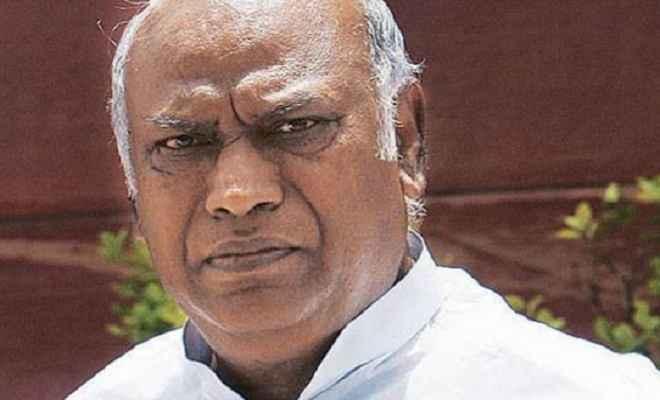 राफेल को लेकर पीएएसी की बैठक बुलाने का आग्रह: मल्लिकार्जुन खडग़े