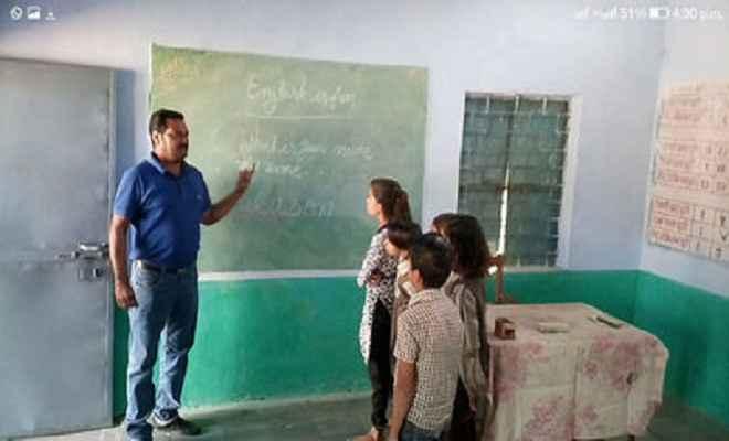 फर्राटेदार अंग्रेजी बोलते हैं सरकारी स्कूल में पढऩे वाले बच्चे