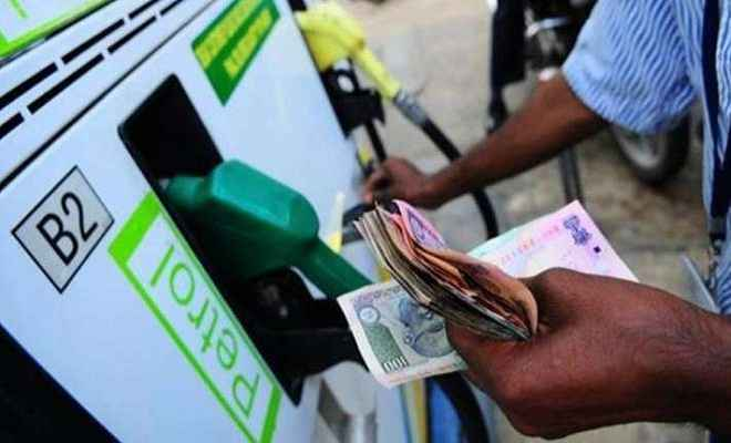 दो रुपए तक सस्ता हो सकता है पेट्रोल-डीजल, मिलेगी आम आदमी को राहत