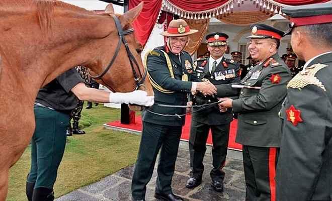 काठमांडू में जनरल रावत और जनरल छेत्री ने की मुलाकात