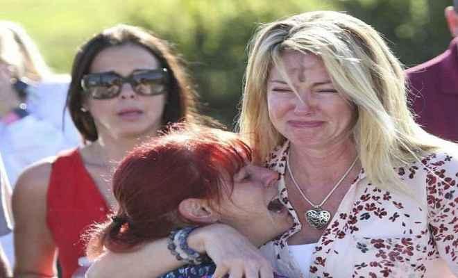 फ्लोरिडा गोलीबारी मामला में गवर्नर ने मांगा एफबीआई निदेशक का इस्तीफा
