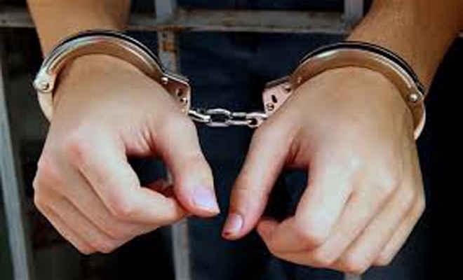 बाइक व बैंक लूूट सहित कई कांडों के आरोपी लड्डू मिया पकड़ाया