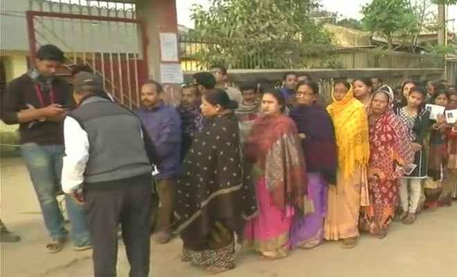 त्रिपुरा में विधानसभा चुनाव के लिए वोटिंग जारी, लोगों में मतदान के लिए उत्साह