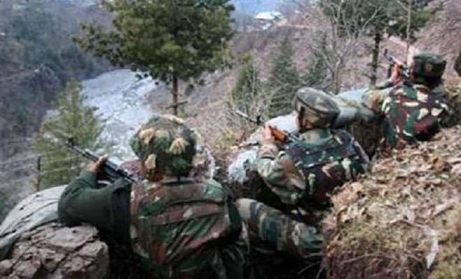 जम्मू कश्मीर: पाक सैनिकों ने फिर किया सीज़फायर का उल्लंघन, बनाया भारतीय चौकियों को निशाना