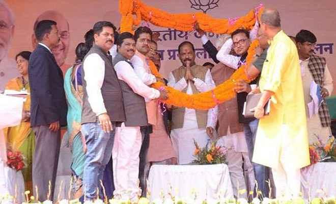 मुख्यमंत्री रघुवर दास ने कांग्रेस व झामुमो पर जमकर साधा निशाना